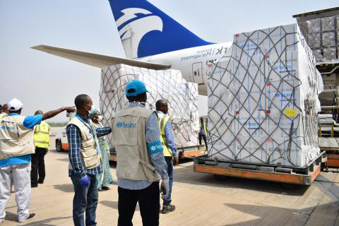 On 16 April 2020 in Nigeria, UNICEF received a delivery of vital health supplies to support the fight against 新冠肺炎.